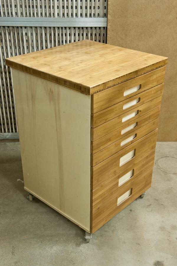 Mueble de organizaci n en bamb for Mueble herramientas